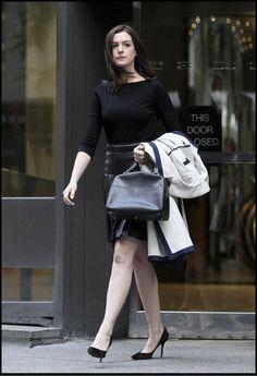 looks de trabalho Anne Hathaway Um Senhor Estagiário