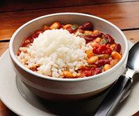 Low-fat Vegetarian Chili with Rice Recipe http://www.bhg.com/recipe/stews/low-fat-vegetarian-chili-with-rice/