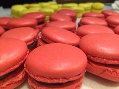 Macarons, Hamburger, Bread, Cookies, Desserts, Food, Crack Crackers, Tailgate Desserts, Deserts