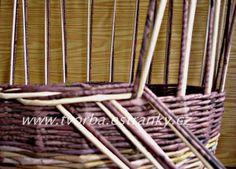 tvorba - Pletení z papíru - Uzavírka třípárová - dvoubarevná Recycled Paper Crafts, Arts And Crafts, Diy Crafts, Paper Basket, Old Paper, Basket Weaving, Diy For Kids, Wicker, Recycling