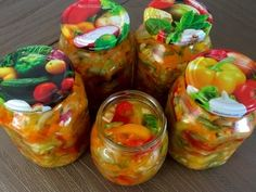 Sałatka warzywna do słoika Fresh Rolls, Stuffed Peppers, Vegetables, Ethnic Recipes, Food, Homemade Bbq Sauce Recipe, Meal, Stuffed Pepper, Essen