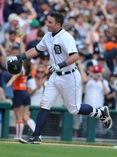 Detroit Tigers James McCann rounds the bases after