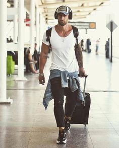 64 Trendy Summer Men Fashion Ideas For You To Try - Man Fashion Modern Mens Fashion, Best Mens Fashion, Style Casual, Men Casual, Swag Style, Herren Outfit, New York Mens, Fashion Outfits, Fashion Tips