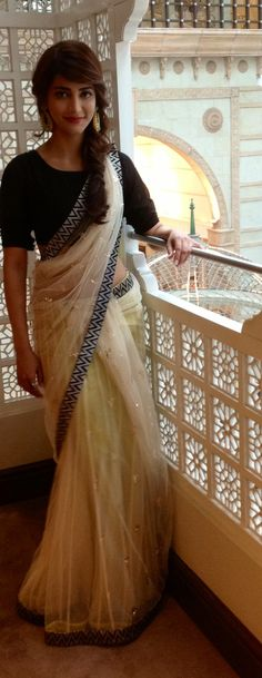Payal Singhal Sari Saree cocktail reception sangeet mehendi Black White net Beadwork Delicate elegant modern Shruti Hassan