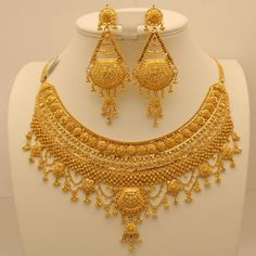 Indian Jewelry, Necklace, Rings For Wedding Dubai Gold Jewelry, Gold Wedding Jewelry, Bridal Jewelry, Jewellery Design Images, Gold Earrings Designs, Necklace Designs, Golden Jewelry, Indian Jewelry, Indian Earrings