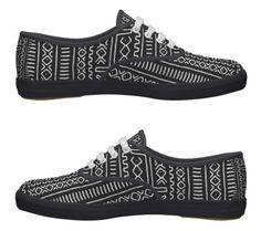 Tomy tackies - tekkies - sneakers - sneaks? African Men Fashion, Tribal Fashion, Mens Fashion, African Style, African Fabric, Brogues, Shoe Collection, Men's Style, Afro