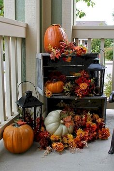 Most Marvelous Fall Front Porch Decor Ideas For Your Home 15 + wunderbarsten Herbst Verand. Small Porch Decorating, Autumn Decorating, Decorating Ideas, Decoration Vitrine, Small Front Porches, Adornos Halloween, House With Porch, Fall Home Decor, Front Porch Fall Decor