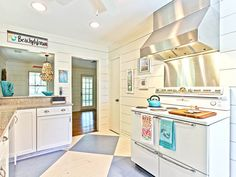 charming beach cottage kitchen