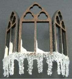 Artfully Musing: Tutorial – Adding Snow and Icicles to Your Project Dollhouse Tutorials, Diy Dollhouse, Dollhouse Furniture, Dollhouse Miniatures, Miniature Christmas, Christmas Minis, Christmas Home, Christmas Crafts, Putz Houses