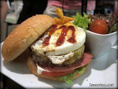 The Shepherdoo Gringo Burger - RM23.80 http://www.isaactan.net/2012/08/main-courses-shepherdoo-centro-mall.html