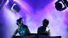 Daft Punk-Seit Tagen rumort es um Daft Punk: Fans schreiben sich im Netz die Finger wund, dass die Musiker im nächsten Jahr wieder auf Tour gehen könnten. Dazu gibt es auch einige, wenn auch etwas nebulöse, Fakten.