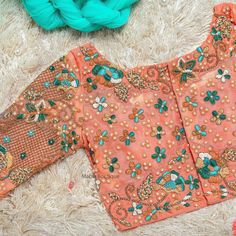 Blouse Designs High Neck, Fancy Blouse Designs, Bridal Blouse Designs, Saree Blouse Designs, Blouse Styles, Maggam Work Designs, Stylish Blouse Design, Designer Blouse Patterns, Embroidery Blouses