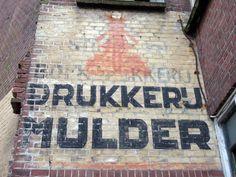 P.J. Mulder & zoon ghost sign, Leiden, Netherlands