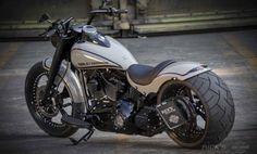 "Awesome custom bike Harley-Davidson Softail Fat Boy ""Grey Fellow"" by Rick's Motorcycles. Harley Davidson Photos, Harley Davidson Motorcycles, Custom Motorcycles, Custom Bikes, Hd Fatboy, Arch Motorcycle, Motorcycle Garage, Harley Bikes, Street Bikes"