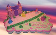 disney princess cakes and cupcakes Disney Princess Cupcakes, Disney Princess Castle, Princess Cupcake Toppers, Princess Cakes, Castle Cupcakes, Fun Cupcakes, Cupcake Cakes, Pull Apart Cake, Pull Apart Cupcakes