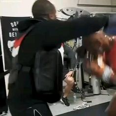 Is Mike Tyson returning to boxing? A video the undisputed champ posted of himself back in training has us all shook and ready for a comeback. Boxing Training Workout, Kickboxing Workout, Gym Workouts, Insanity Workout Videos, Mike Tyson Training, Mike Tyson Boxing, Mike Tyson Workout, Self Defense Moves, Self Defense Martial Arts