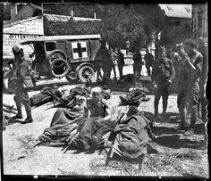 Julio de 1918. Heridos americanos en Pierrefont, Francia (nota manuscrita del autor sobre el negativo de vidrio).
