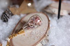 Halskette goldige echte Blüten von Le petit bouton auf DaWanda.com