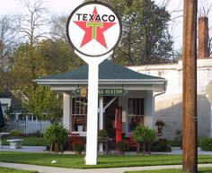 """Old Texaco Station Location: In the """"Lower Town"""" section of Paducah at street and Madison McCracken Co - KY Latitude: N/A Longitude: N/A Map Approx. Old Garage, Old Gas Stations, Filling Station, Porcelain Signs, My Old Kentucky Home, Tow Truck, Trucks, Texaco, Gas Pumps"""
