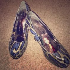 Blue snake skin heels NWT Sofia Vergara Blue snake skin heels. No box. Shoes Heels