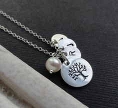 Personalized Family Tree Necklace UP TO 4 LETTERS door BriguysGirls, $38.50