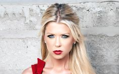 Tara Reid Red Lips Cute Eyes Looking Front Pose. Jessica Lowndes, Hair Growth Tips, Natural Hair Growth, Natural Hair Styles, Short Hair Styles, Party Hairstyles, Celebrity Hairstyles, Braided Hairstyles, Cool Hairstyles