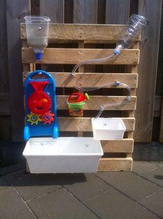 Verticale watertafel waterwalls - The Best Outdoor Play Area Ideas Kids Outdoor Play, Outdoor Play Spaces, Kids Play Area, Backyard For Kids, Diy For Kids, Garden Kids, Backyard Ideas, Fence Ideas, Childrens Play Area Garden