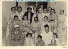 Teachers in girls school #FesJdid #Vintage #Caftan
