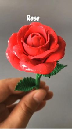 Polymer Clay Projects, Polymer Clay Crafts, Diy Clay, Polymer Clay Disney, Clay Art Projects, Fondant Flower Tutorial, Fondant Flowers, Fondant Rose, Rose Tutorial