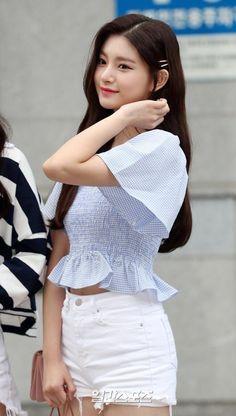 Kpop Girl Groups, Korean Girl Groups, Kpop Girls, Korean Girl Fashion, Yuehua Entertainment, Sexy Asian Girls, Ulzzang Girl, New Girl, Pop Group