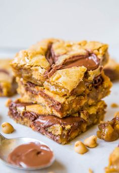 Salted Caramel Peanut Butter Chocolate Chip Bars - Averie Cooks