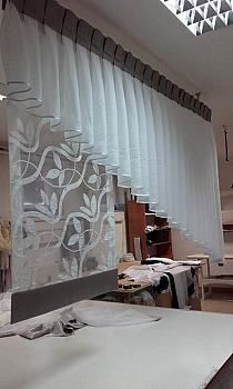 Modern Curtains Curtain Styles Window Curtains Curtains And Draperies Kitchen Curtains Window Dressings Custom Window Treatments Curtain Patterns Curtain Designs Curtains And Draperies, Home Curtains, Modern Curtains, Kitchen Curtains, Drapery, Curtain Styles, Curtain Designs, Rideaux Design, Beautiful Curtains