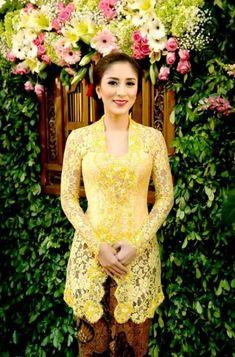 Ideas Dress Yellow Brokat For 2019 Dress Brokat, Kebaya Dress, Kebaya Hijab, Batik Kebaya, Batik Dress, Lace Dress, Kebaya Muslim, Kebaya Wedding, Wedding Dress