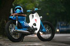 Galeri Foto Motor Paling Keren Custom Bike Modifikasi Asal Solo Terbaru.   Berikut foto-foto modif motor yang keren, cool ride, antik ...