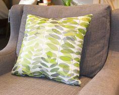 Housse Coussin oreiller décoratif tissu Feuilles par HotteCouture