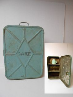 Vintage Cake Safe 2 Shelf JADEITE GREEN by materialmemorieslane