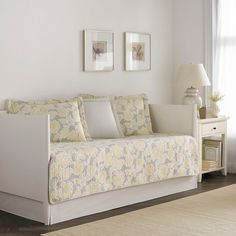 Laura Ashley Quilt Joy 5 Piece Daybed Set - Gray/Yellow (Daybed)