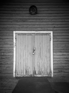 #Doors #monochrome #lumia1520 #raw https://flic.kr/p/xwe58Y
