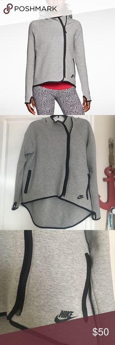Nike Women's Sweatshirt Medium Nike women's sweatshirt size medium. It's longer in the back and is super cute on. Has been worn but in great condition Nike Tops Sweatshirts & Hoodies