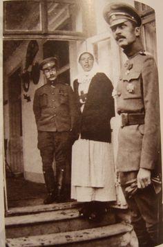 C.G.E. Mannerheim and Sister of Mercy Grand Duchess Olga Alexandrovna, 1915