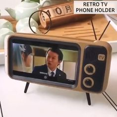 Cell Telephone Holder Retro TV Bluetooth Wi-fi Speaker Telephone Stand Present Thought For Teenagers Equipment - essential Home Gadgets, Gadgets And Gizmos, New Gadgets, High Tech Gadgets, Ideas Para Inventos, New Technology Gadgets, Mac Book, Digital Photo Frame, Cool Gadgets To Buy