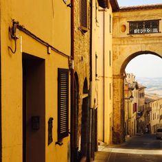 Ahhhhhh, as cores de Todi... ✨✨✨ #italia #umbria #Todi #italianlifestyle #terradaciocco #cioccomio