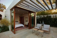This historic adobe house in Southern California was transformed and extended into a modern adobe courtyard house by Dutton Architects. Rooftop Terrace Design, Terrace Garden Design, Rooftop Deck, Terrace Ideas, Adobe Haus, Courtyard House, Spanish Courtyard, California Homes, Southern California