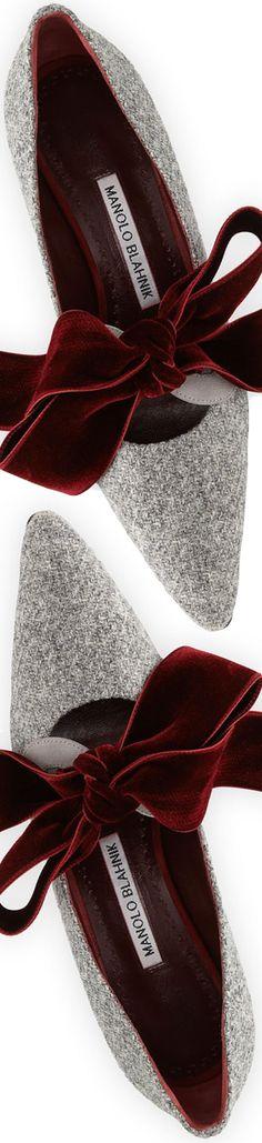 Manolo Blahnik Serba Velvet Bow Tweed Pump