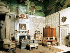 The Queen's Bedroom in Queen Mary's Dolls' House