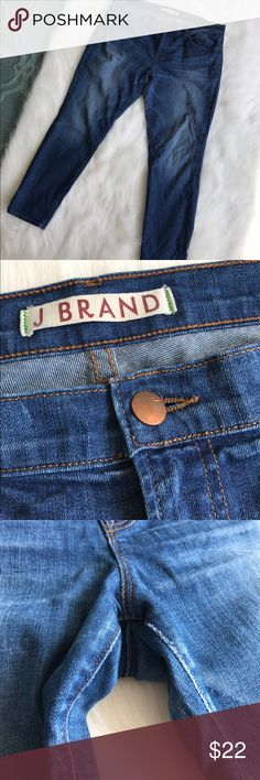 J Brand Venice Skinny Jean size 32 plus size Cute pair of J Brand Venice Skinny Jean. Size 32. Slightly cropped length. Please note pic #3 as there is very minimal fray in small area of interior thigh. Does not compromise quality but just want to point out. Smoke free pet free home. 25 inch inseam J Brand Jeans Skinny
