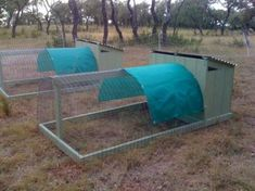 Poultry chicken breeding pen pallets