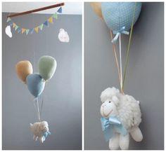 Móbile Ovelha suspensa por balões