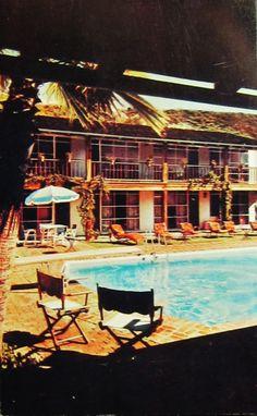 Postcard: Pool,Santa Ynez Restaurant and Motel,Pacific Palisades,California.
