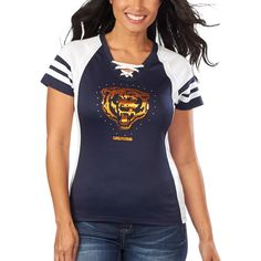 Chicago Bears t-shirts and tees are stocked at Fanatics. Display your spirit with officially licensed Chicago Bears T-Shirts from the ultimate sports store. Chicago Bears Gear, Chicago Bears Women, Chicago Bears T Shirts, Chicago Bears Apparel, Nfl Shirts, Sports Shirts, Football Outfits, Sport Outfits, Style Inspiration